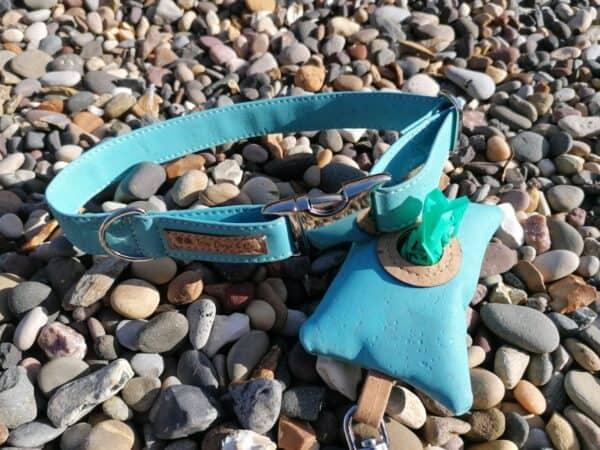 blue collar and poo bag holder